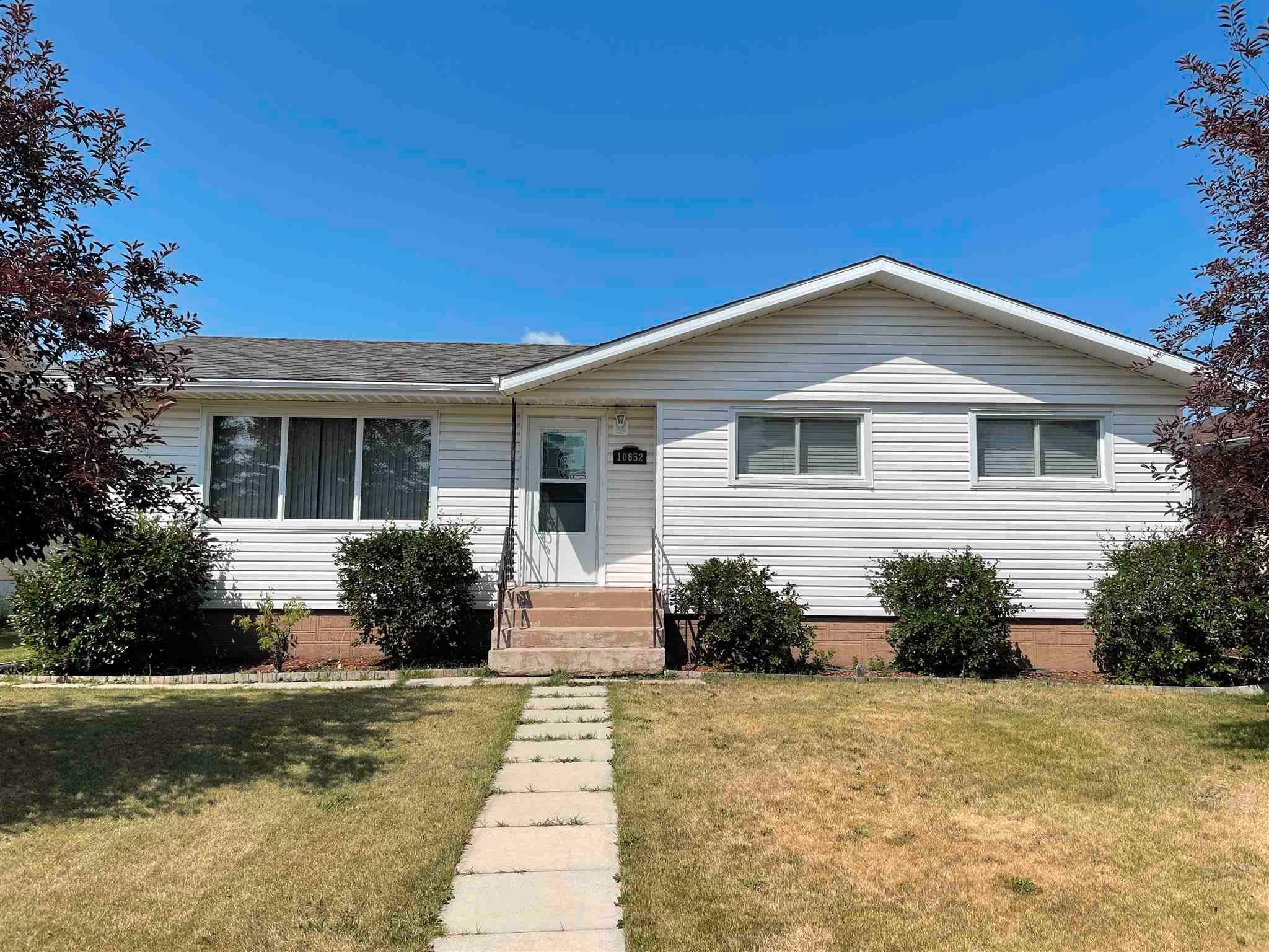 Main Photo: 10652 104 Street: Westlock House for sale : MLS®# E4254305