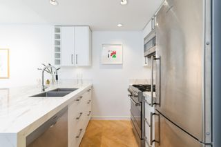 """Photo 15: 501 1708 COLUMBIA Street in Vancouver: False Creek Condo for sale in """"WALL CENTRE FALSE CREEK"""" (Vancouver West)  : MLS®# R2603692"""