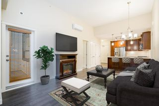 Photo 1: 504 3585 146A Street in Surrey: King George Corridor Condo for sale (South Surrey White Rock)  : MLS®# R2618066