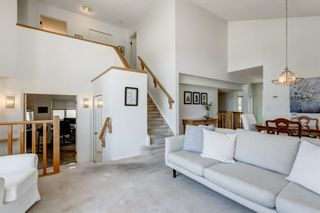 Photo 4: 128 Shawinigan Way SW in Calgary: Shawnessy Detached for sale : MLS®# A1125201