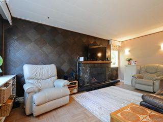 Photo 5: 145 Sims Ave in VICTORIA: SW Gateway House for sale (Saanich West)  : MLS®# 769355
