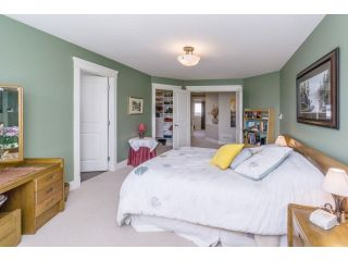 """Photo 13: 5915 164TH Street in Surrey: Cloverdale BC House for sale in """"WEST CLOVERDALE"""" (Cloverdale)  : MLS®# F1439520"""