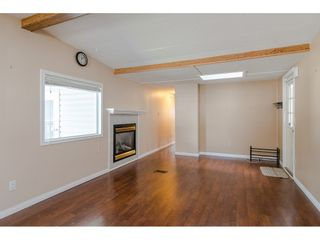 """Photo 9: 79 24330 FRASER Highway in Langley: Otter District Manufactured Home for sale in """"Langley Grove Estates"""" : MLS®# R2390843"""