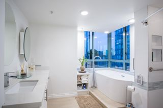 """Photo 33: 3302 1238 MELVILLE Street in Vancouver: Coal Harbour Condo for sale in """"POINTE CLAIRE"""" (Vancouver West)  : MLS®# R2615681"""