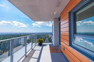 """Photo 3: 3906 5883 BARKER Avenue in Burnaby: Metrotown Condo for sale in """"ALDYNE ON THE PARK"""" (Burnaby South)  : MLS®# R2579935"""