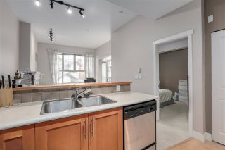 """Photo 5: 2403 4625 VALLEY Drive in Vancouver: Quilchena Condo for sale in """"ALEXANDRA HOUSE"""" (Vancouver West)  : MLS®# R2419187"""