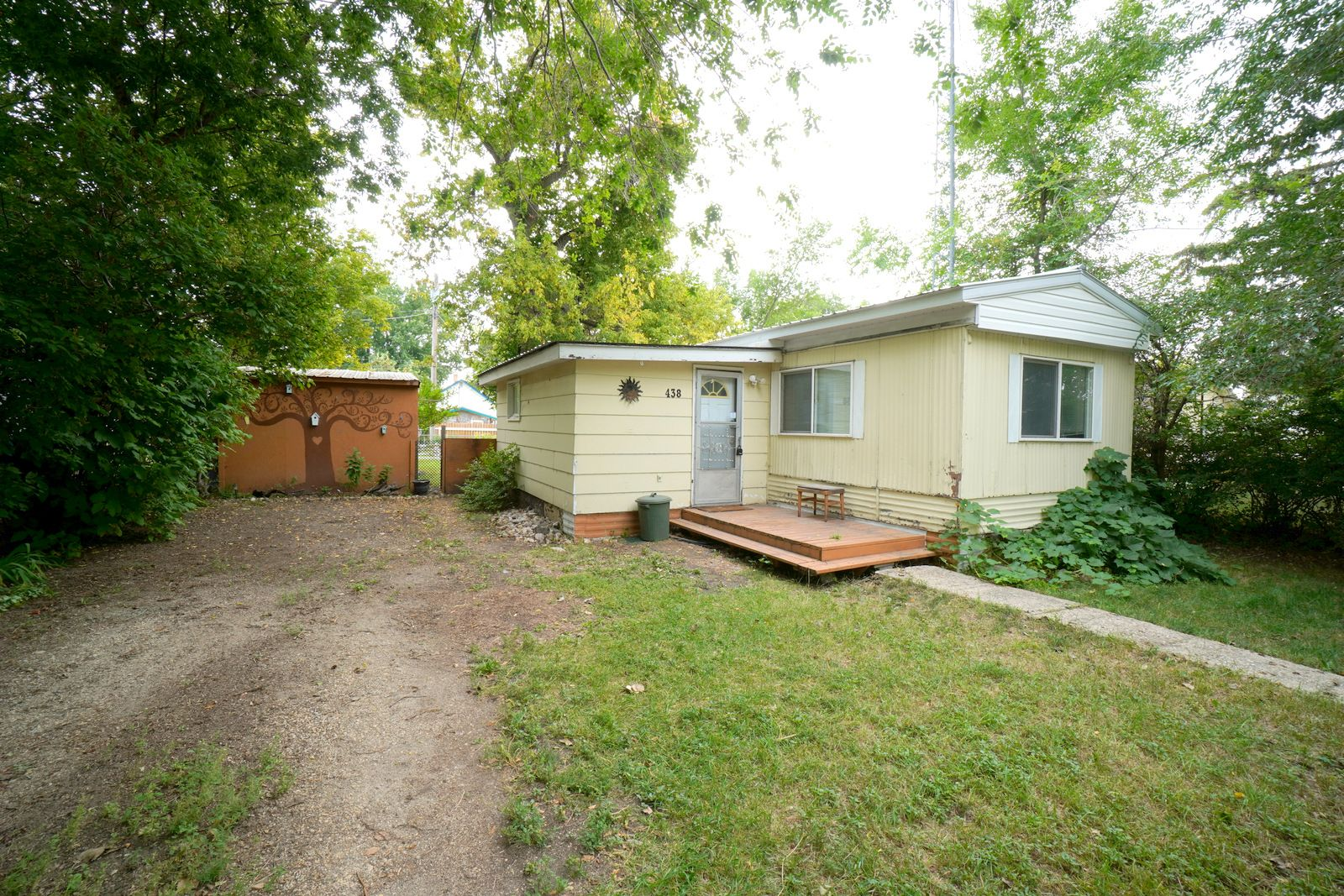 Main Photo: 438 2nd St NW in Portage la Prairie: House for sale : MLS®# 202120635