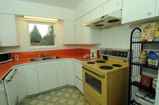 Photo 8: 2628 POPLYNN Place in North Vancouver: Westlynn House for sale : MLS®# R2349621
