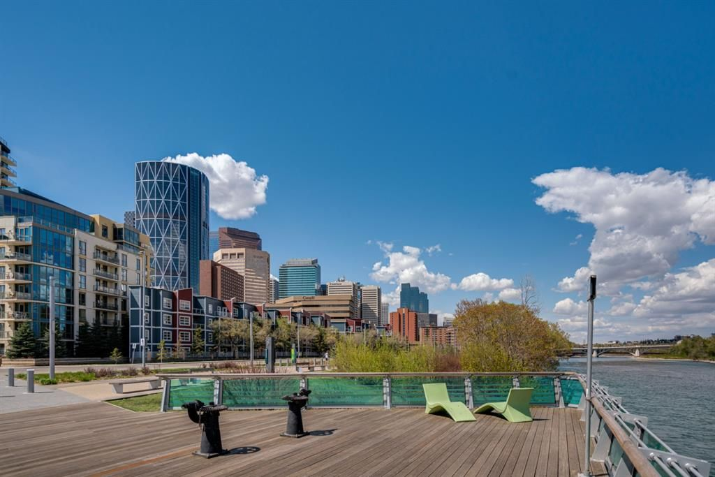 Main Photo: 359 333 Riverfront Avenue SE in Calgary: Downtown East Village Apartment for sale : MLS®# A1124855