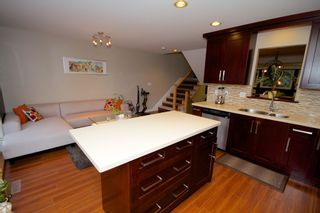 Photo 11: 5 1651 Parkway Boulevard in Coquitlam: Westwood Plateau Townhouse for sale : MLS®# R2028946