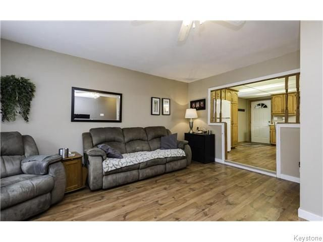Photo 4: Photos: 342 De La Cathedrale Avenue in WINNIPEG: St Boniface Residential for sale (South East Winnipeg)  : MLS®# 1530499