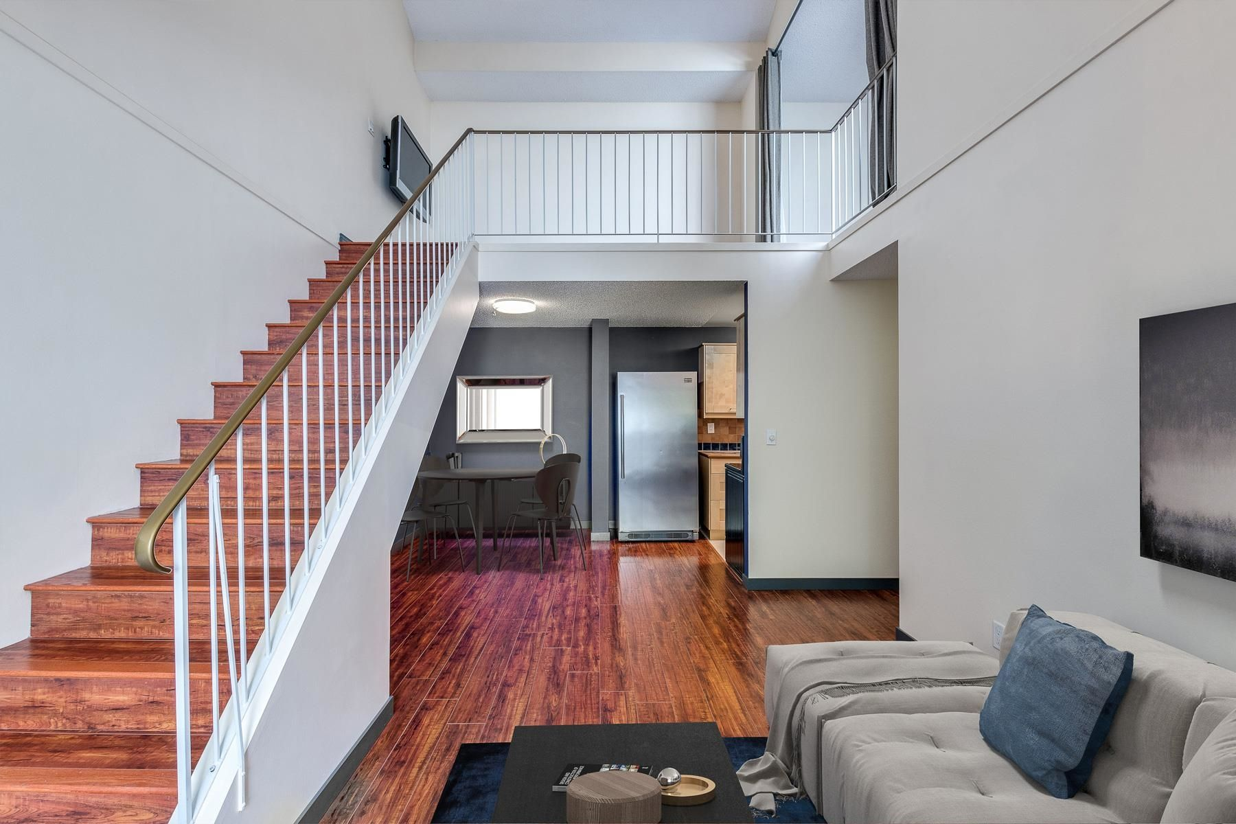 """Main Photo: 301 423 AGNES Street in New Westminster: Downtown NW Condo for sale in """"THE RIDGEVIEW"""" : MLS®# R2623111"""