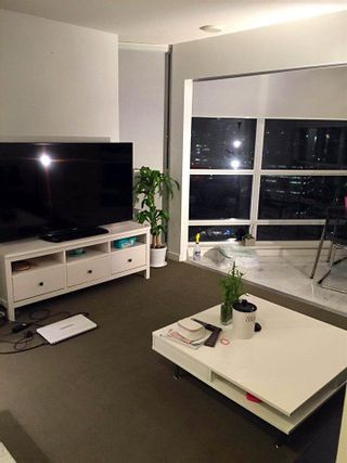"""Photo 9: 2310 833 SEYMOUR Street in Vancouver: Downtown VW Condo for sale in """"CAPITOL RESIDENCES"""" (Vancouver West)  : MLS®# R2242154"""