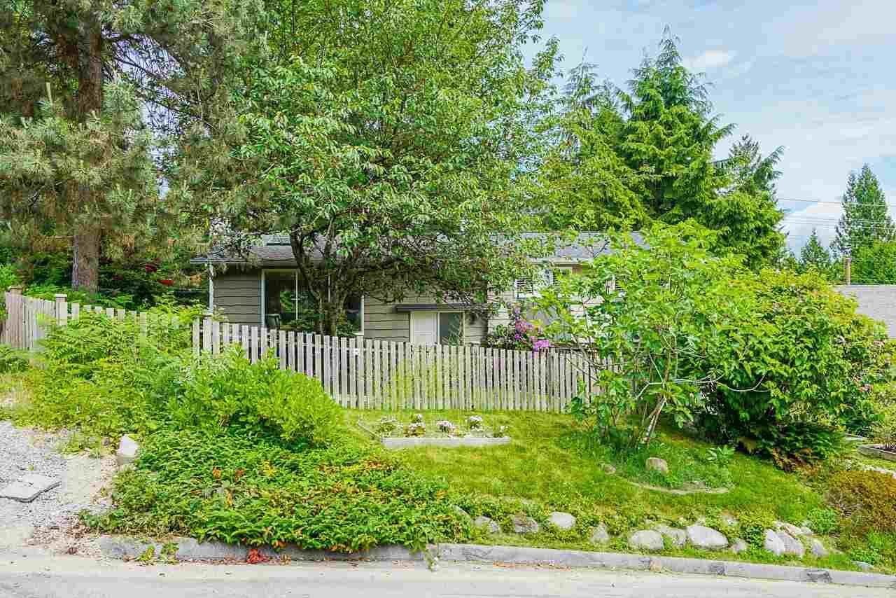 Main Photo: 2984 FLEET Street in Coquitlam: Ranch Park House for sale : MLS®# R2590460