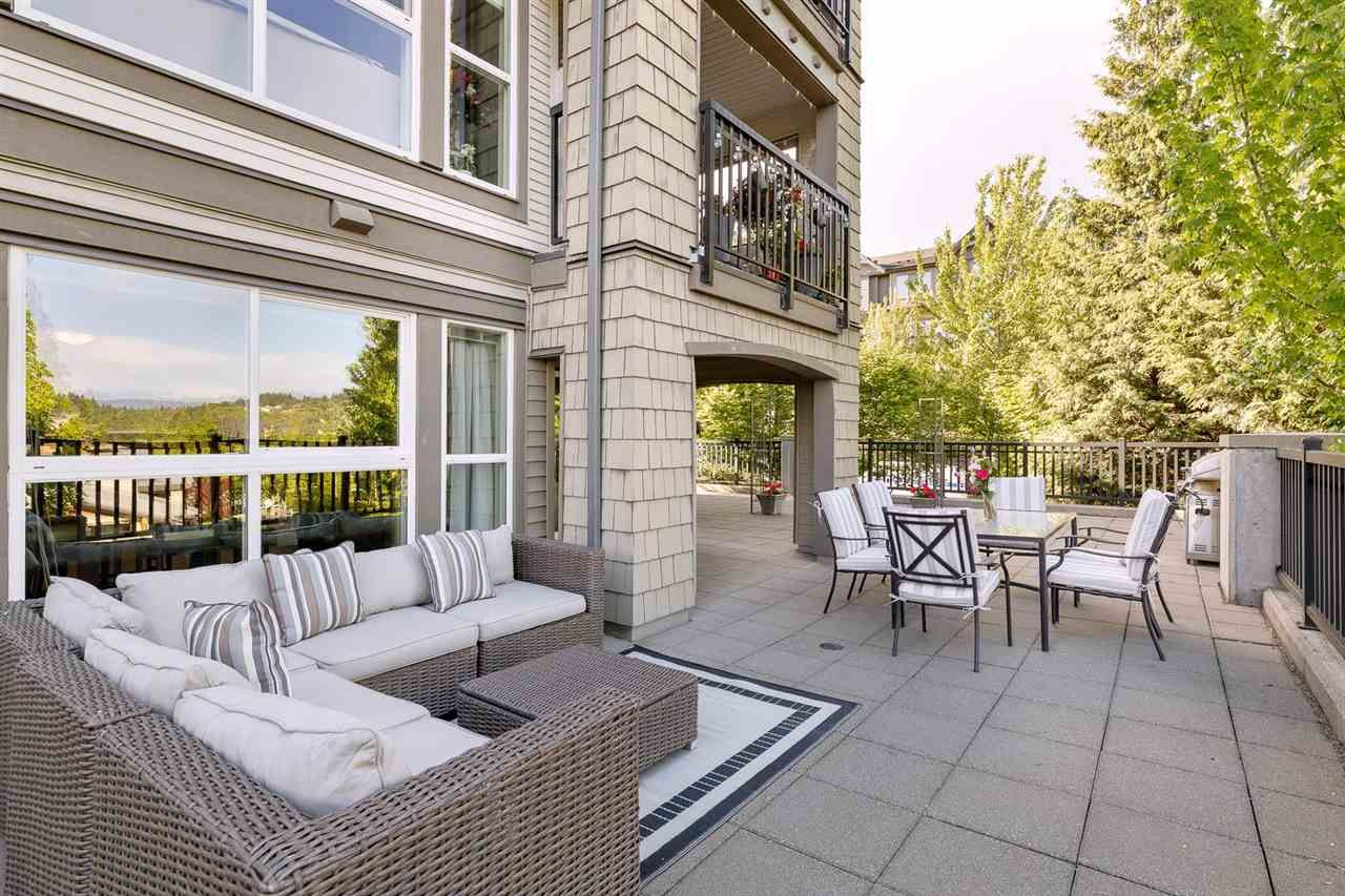 """Main Photo: 214 3082 DAYANEE SPRINGS Boulevard in Coquitlam: Westwood Plateau Condo for sale in """"THE LANTERN"""" : MLS®# R2584143"""