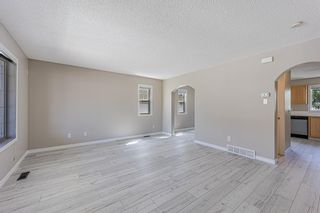 Photo 7: 121 Citadel Point NW in Calgary: Citadel Row/Townhouse for sale : MLS®# A1121802