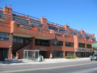 Main Photo: 412 1505 8 Avenue NW in Calgary: Hillhurst Apartment for sale : MLS®# A1127895