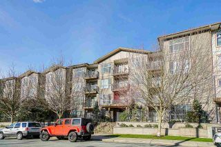"""Photo 3: 304 2343 ATKINS Avenue in Port Coquitlam: Central Pt Coquitlam Condo for sale in """"Pearl"""" : MLS®# R2576786"""
