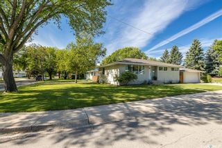 Photo 2: 11 Ling Street in Saskatoon: Greystone Heights Residential for sale : MLS®# SK873854
