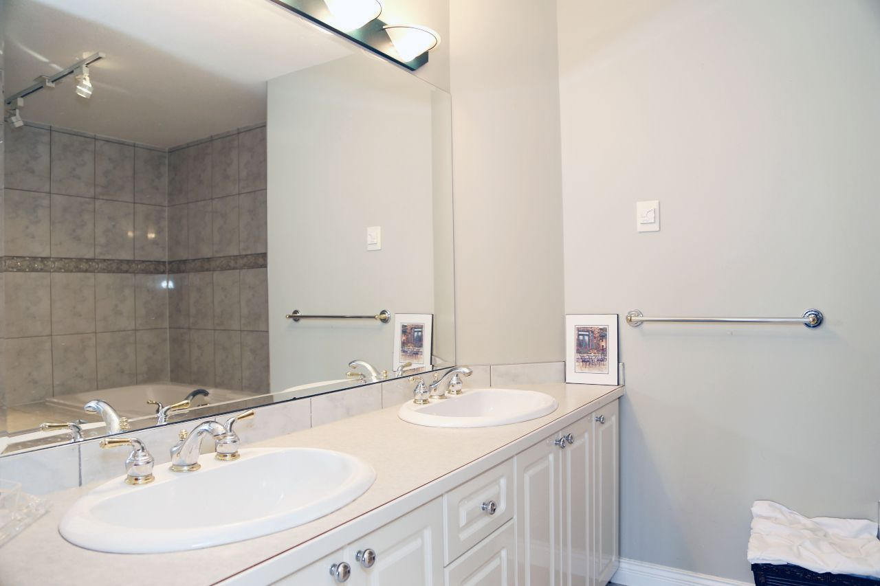 """Photo 25: Photos: 103 15350 SEQUOIA Drive in Surrey: Fleetwood Tynehead Townhouse for sale in """"The Village at Sequoia Ridge"""" : MLS®# R2286271"""