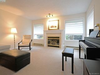 Photo 2: 4352 Parkwood Terr in VICTORIA: SE Broadmead Half Duplex for sale (Saanich East)  : MLS®# 780519
