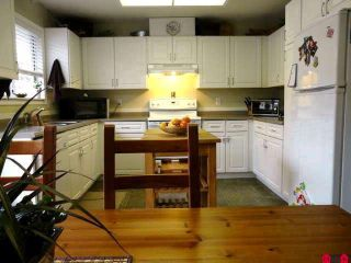 Photo 3: 9520 CARROLL ST in Chilliwack: Chilliwack N Yale-Well House for sale : MLS®# H1102274