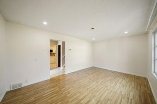 Photo 5: 4307 4A Avenue SE in Calgary: Forest Heights Row/Townhouse for sale : MLS®# A1142368