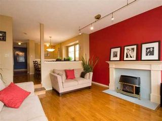 Photo 2: 5 240 KEITH Road: Central Lonsdale Home for sale ()  : MLS®# V819822