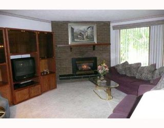 Photo 3: 517 OAKRIDGE Way SW in CALGARY: Oakridge Residential Detached Single Family for sale (Calgary)  : MLS®# C3387070