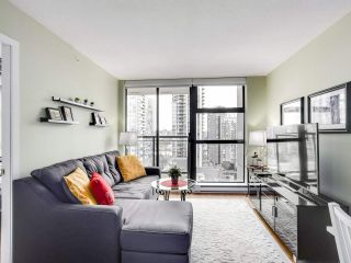 """Photo 5: 1907 1295 RICHARDS Street in Vancouver: Downtown VW Condo for sale in """"THE OSCAR"""" (Vancouver West)  : MLS®# R2539042"""