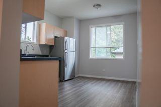 Photo 5: 7451/7453 83 Avenue in Edmonton: Zone 18 House Duplex for sale : MLS®# E4247994