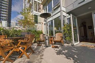 """Photo 8: 428 BEACH Crescent in Vancouver: False Creek North Condo for sale in """"KINGS LANDING"""" (Vancouver West)  : MLS®# V626269"""