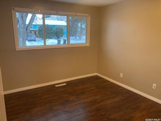 Photo 6: 325 W Avenue North in Saskatoon: Mount Royal SA Residential for sale : MLS®# SK838129