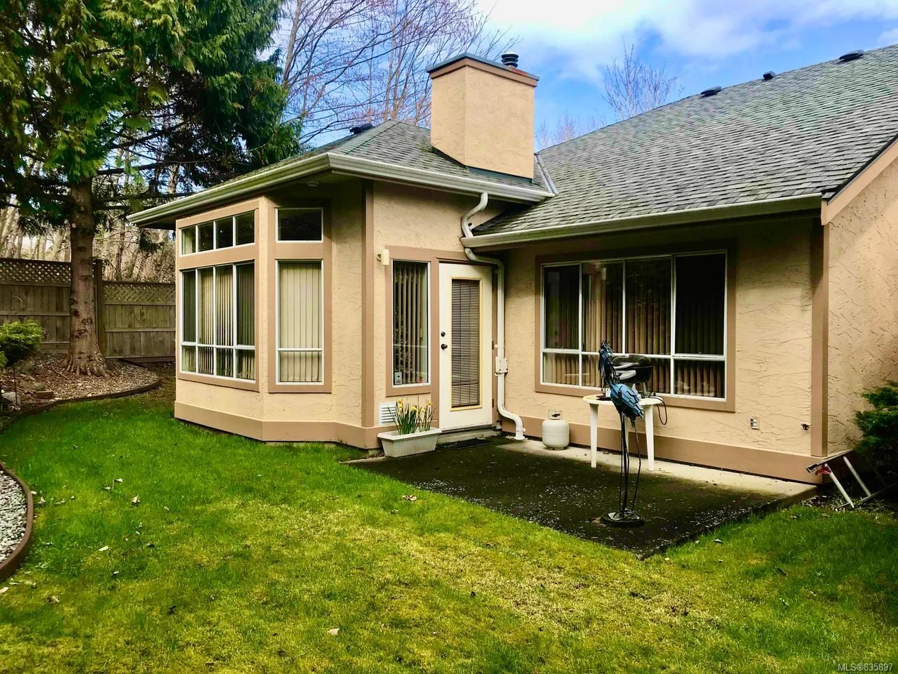 Photo 2: Photos: 2024 Mulligan Way in NANAIMO: Na Departure Bay Row/Townhouse for sale (Nanaimo)  : MLS®# 835897