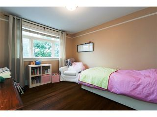 """Photo 7: 900 W 15TH Avenue in Vancouver: Fairview VW House for sale in """"FABULOUS FAIRVIEW"""" (Vancouver West)  : MLS®# V909662"""