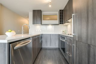 "Photo 8: 1604 668 COLUMBIA Street in New Westminster: Quay Condo for sale in ""TRAPP & HOLBROOK"" : MLS®# R2541245"