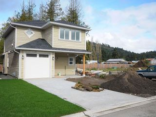 Photo 2: 3337 Piper Rd in Langford: La Luxton House for sale : MLS®# 628198