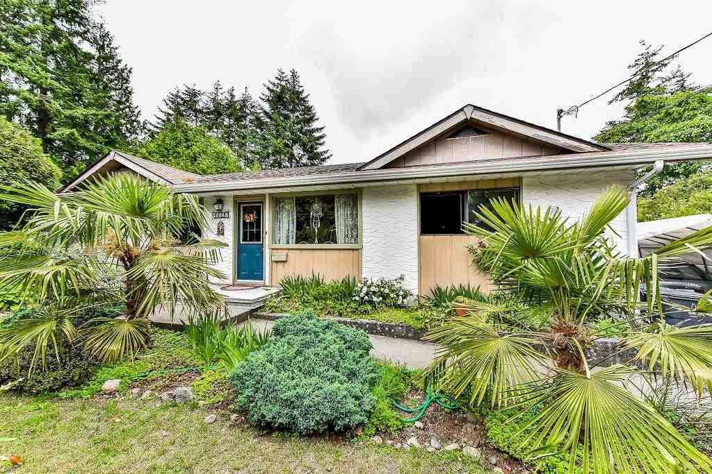 Main Photo: 15527 17A Avenue in Surrey: King George Corridor House for sale (South Surrey White Rock)  : MLS®# R2174173