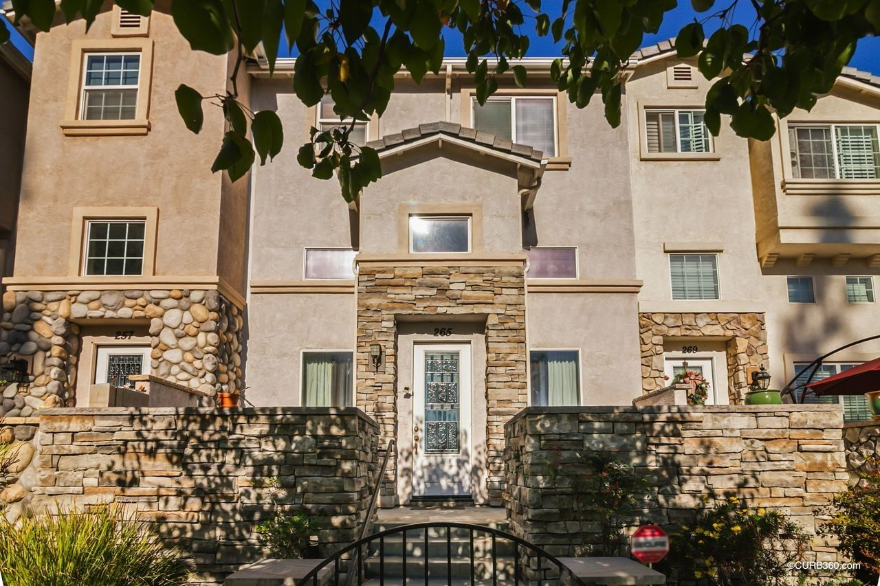 Main Photo: EL CAJON Townhouse for sale : 3 bedrooms : 265 Indiana Ave