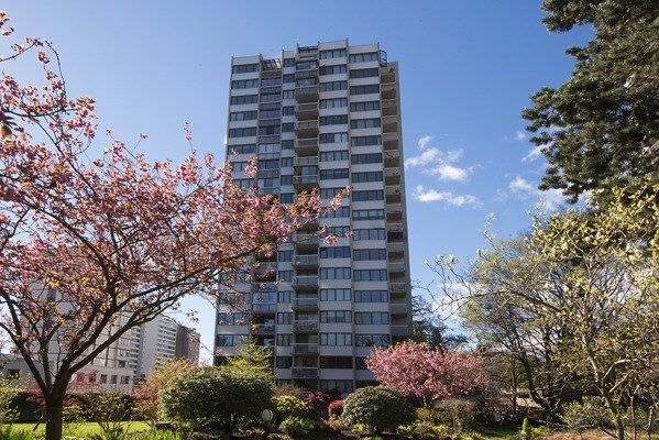 """Photo 1: Photos: 1706 1740 COMOX Street in Vancouver: West End VW Condo for sale in """"Sandpiper"""" (Vancouver West)  : MLS®# R2172816"""