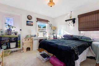 Photo 12: LA MESA House for sale : 3 bedrooms : 8415 Sunrise