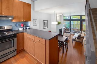 Photo 7: 392 E 15TH Avenue in Vancouver: Mount Pleasant VE Townhouse for sale (Vancouver East)  : MLS®# R2349680