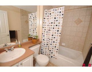 """Photo 8: 39 16760 61ST Avenue in Surrey: Cloverdale BC Townhouse for sale in """"HARVEST LANDING"""" (Cloverdale)  : MLS®# F2903413"""