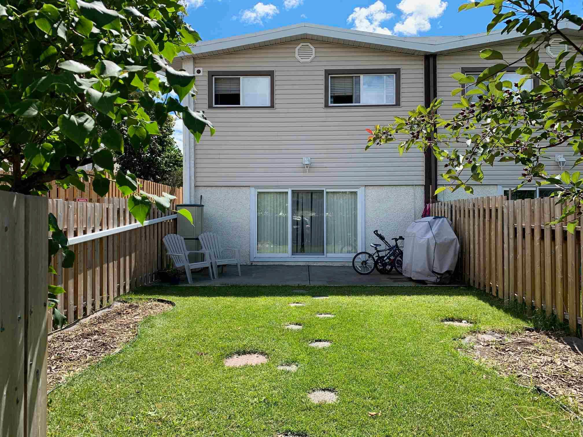 Main Photo: B 16413 89 Avenue in Edmonton: Zone 22 Townhouse for sale : MLS®# E4245994