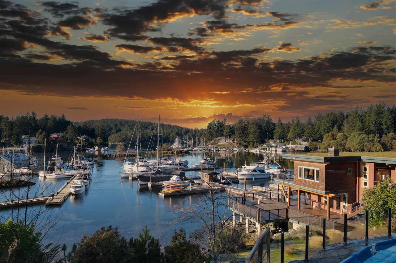 """Main Photo: 18A 12849 LAGOON Road in Pender Harbour: Pender Harbour Egmont Condo for sale in """"THE PAINTED BOAT RESORT & SPA"""" (Sunshine Coast)  : MLS®# R2589363"""