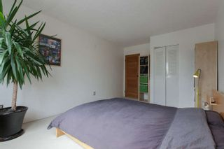 """Photo 17: 205 131 W 4TH Street in North Vancouver: Lower Lonsdale Condo for sale in """"Nottingham Place"""" : MLS®# R2003888"""