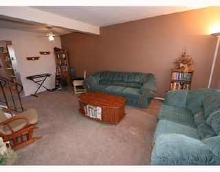 Photo 2: 53 RADCLIFFE Close SE in CALGARY: Radisson Heights Residential Attached for sale (Calgary)  : MLS®# C3346576