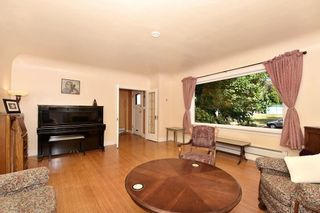 """Photo 3: 358 E 45TH Avenue in Vancouver: Main House for sale in """"MAIN"""" (Vancouver East)  : MLS®# R2109556"""