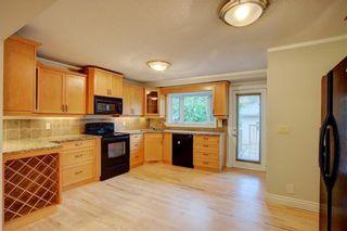 Photo 7: 2417 53 Avenue SW in Calgary: North Glenmore Park Semi Detached for sale : MLS®# C4299772