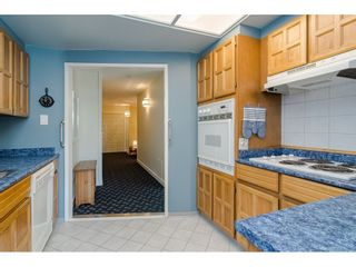 """Photo 8: 104 1322 MARTIN Street: White Rock Condo for sale in """"Blue Spruce"""" (South Surrey White Rock)  : MLS®# R2441551"""